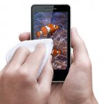 Mobile Cloth wipes fingerprints and germs from your device's screen