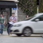Fines set to increase for pedestrians distracted by their mobiles
