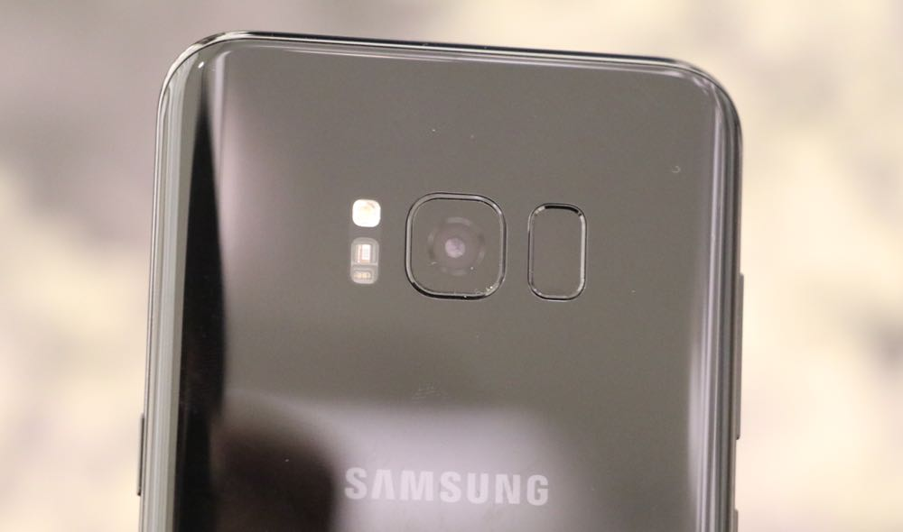The fingerprint reader is now beside the camera