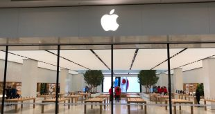 Apple opens the doors to its new Chadstone Store with an updated design