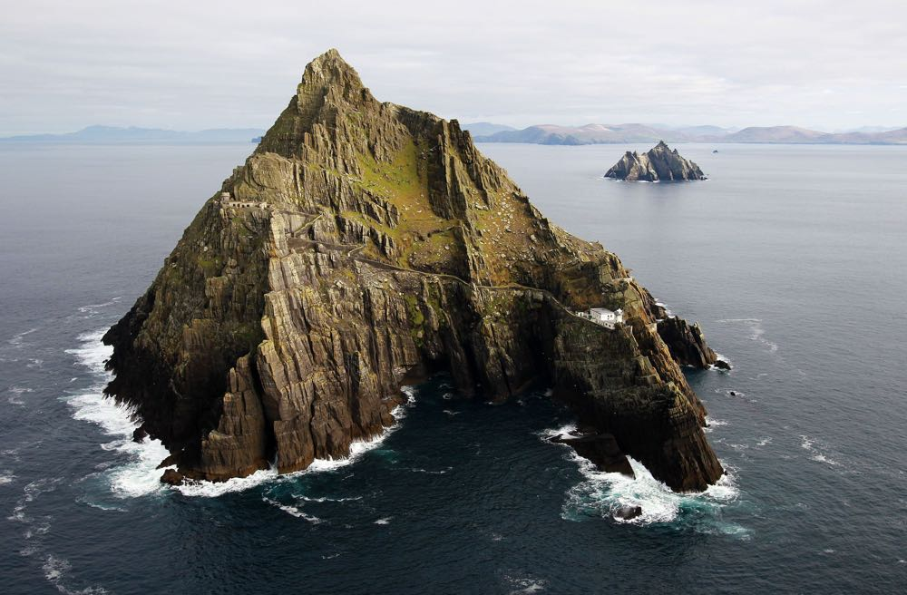 Star Wars filming in Ireland. File photo dated 26/11/13 of the Skellig Islands, as an ecologist has been given the power to shout cut on the filming of the latest Star Wars movie at the Unesco world heritage sites. Issue date: Tuesday September 8, 2015. The sea crag of Skellig Michael off the coast of Kerry has been opened for a second time to let George Lucas's production back on the island for several days this month. See PA story SHOWBIZ StarWars. Photo credit should read: Brian Lawless/PA Wire URN:24033768