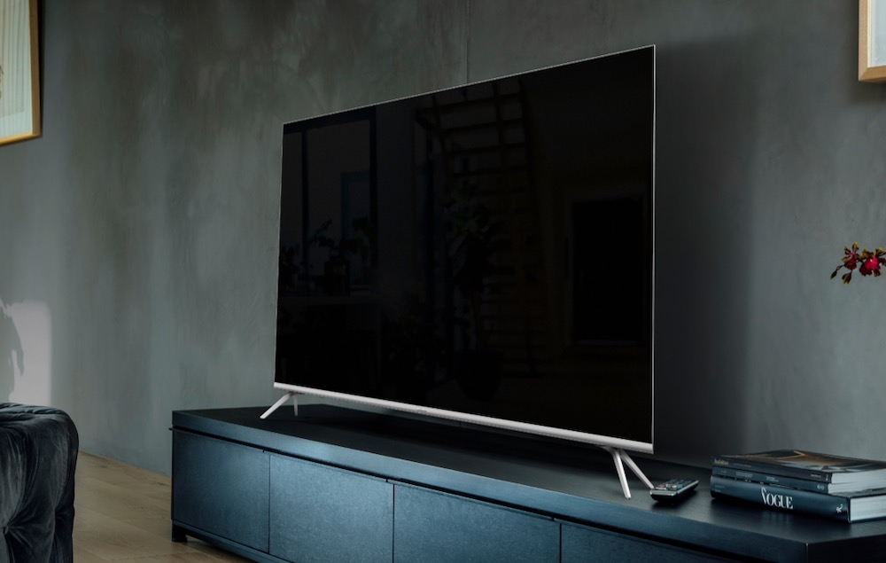 Hisense 75-inch Series 8 75R8 ULED TV review - a stunning