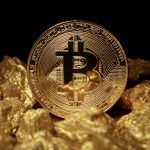 Should You Buy Gold or Bitcoins: What Financial Experts Think