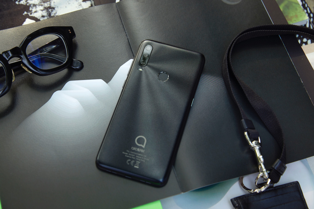 Alcatel redefines value with the feature-packed 1SE smartphone that's under $200