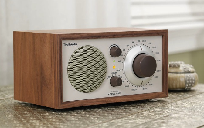 retro tivoli audio model one am fm now has bluetooth onboard. Black Bedroom Furniture Sets. Home Design Ideas